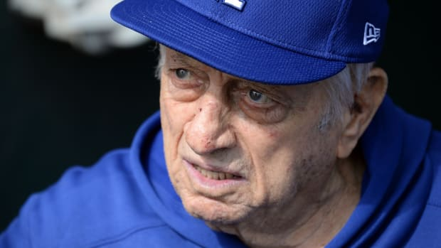 Former Los Angeles Dodgers manager Tommy Lasorda dies at age 93.