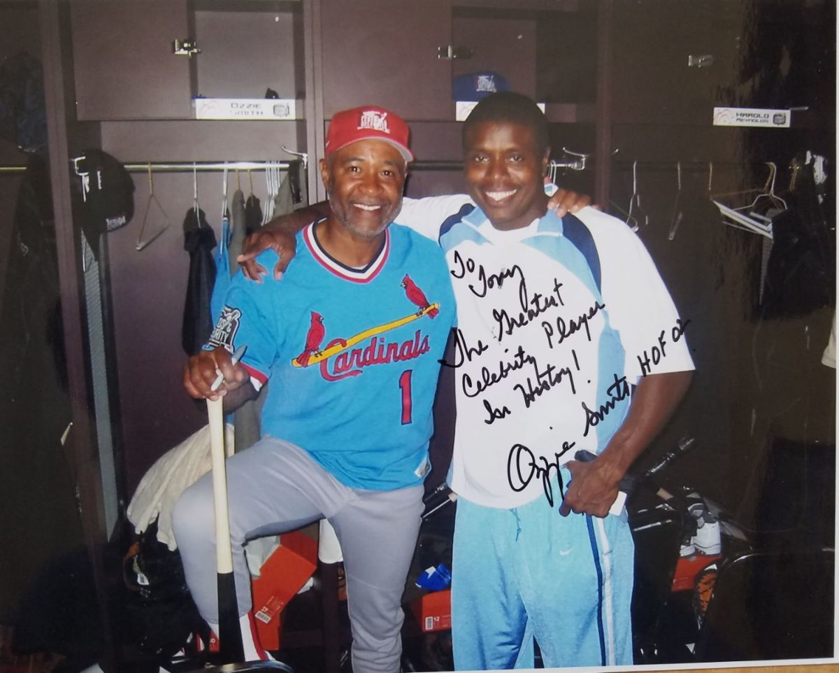 Ozzie Smith (L) takes time out with Tony Todd (R).